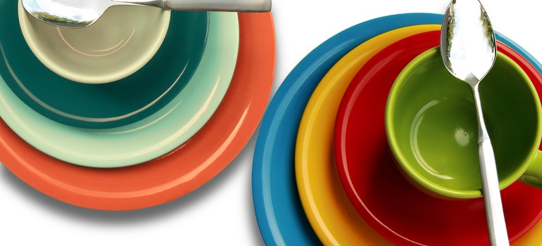 Colorful plates and spoons